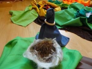 Luka wohnt in einem kleinen Nest.